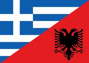 foto della bandiera della grecia e dell'albania